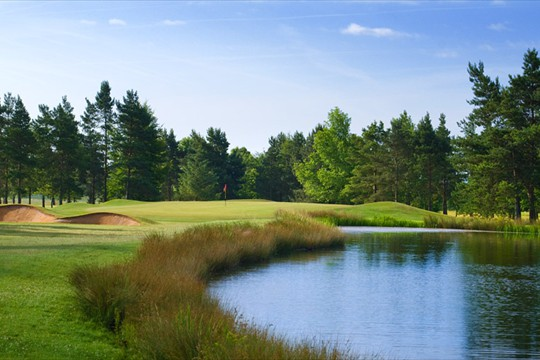 Golf attractions